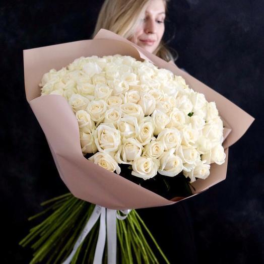 Букет из 89 белых роз Аваланж