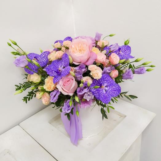 Коробка шляпная: букеты цветов на заказ Flowwow