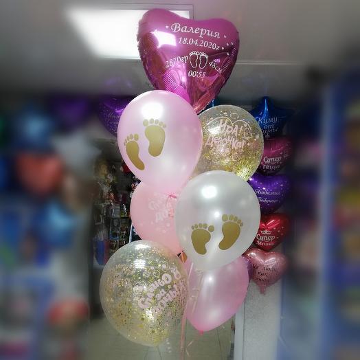 Фонтан из гелиевых шаров на выписку из род.дома (девочка): букеты цветов на заказ Flowwow