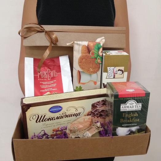 Набор в коробочке с мёдом и сладостями