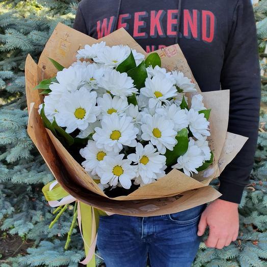 Rosalina-букет из 5 кустовых ромашковых хризантем в оформлении