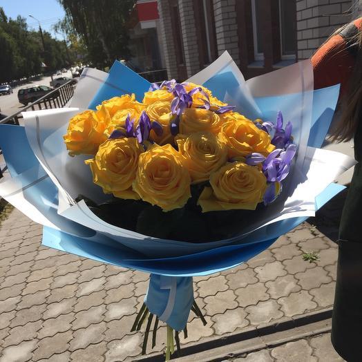 Желтые Розы и ирисы