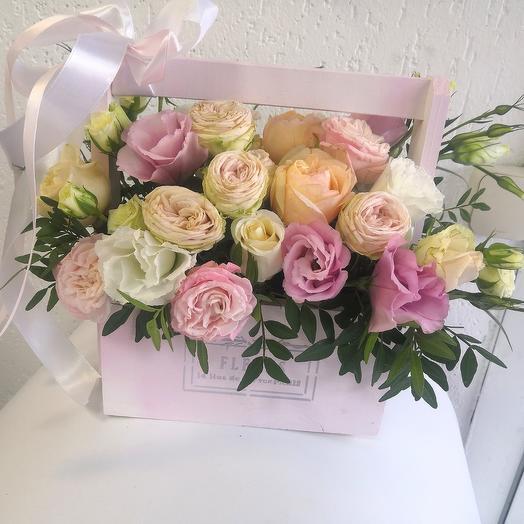 Ящик нежных цветов