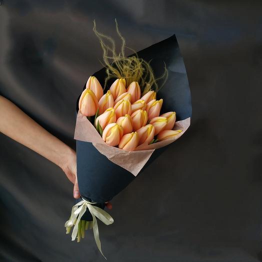 """Букет """"19 персиковых тюльпанов"""""""