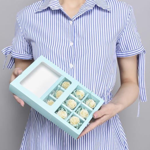 Мини-коробочка с 9 шоколадными розами M9-G-B