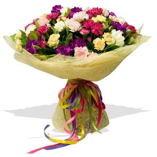 Букет цветов Кустовые гвоздики: букеты цветов на заказ Flowwow