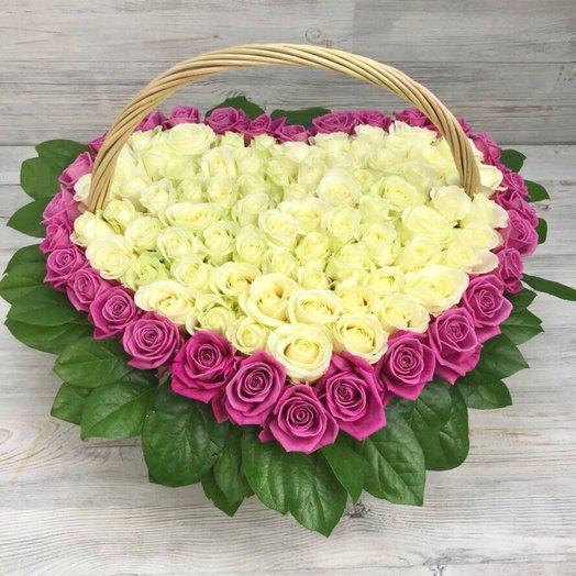 Корзины с цветами. Розы. Сердце из роз. 101 роза. N71