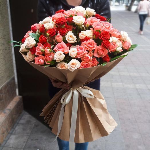 Букет из 35-ти кустовых роз: букеты цветов на заказ Flowwow
