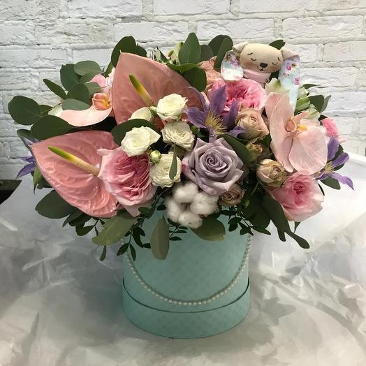 Зайка в саду: букеты цветов на заказ Flowwow