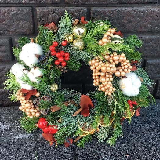Рождественский венок Глинтвейн: букеты цветов на заказ Flowwow