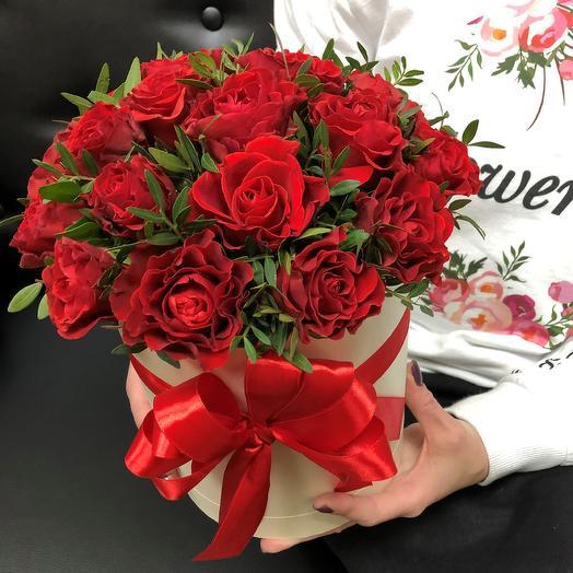 Коробки с цветами. Розы , бордовые 19 шт. N255