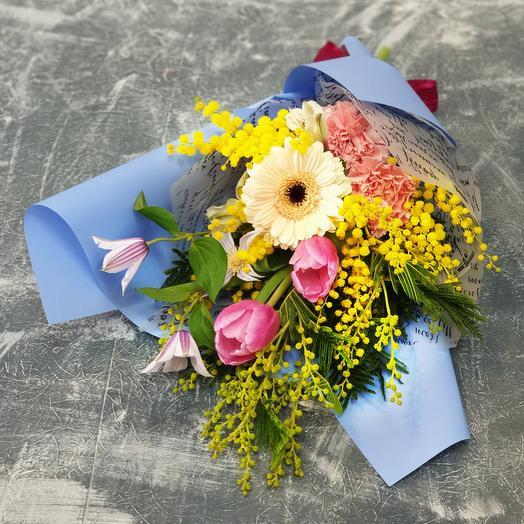 Прелестный букет из мимозы, тюльпанов и герберы: букеты цветов на заказ Flowwow