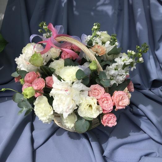 Корзинка нежнейшего счастья: букеты цветов на заказ Flowwow