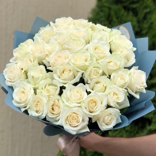 41 роза «Аваланж»: букеты цветов на заказ Flowwow