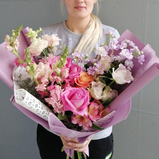 Букет из роз и маттиолы: букеты цветов на заказ Flowwow