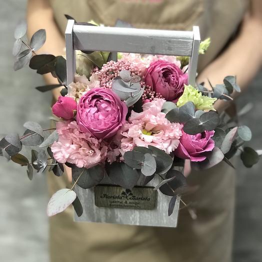 Ящичек с Розой Мисти баблс и лизиантусом: букеты цветов на заказ Flowwow