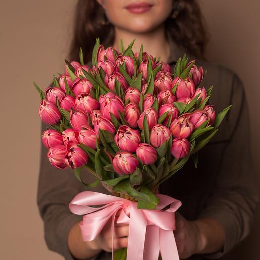 Букет из 49 роскошных пионовидных тюльпанов