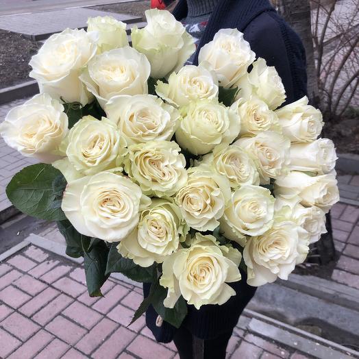 25 эквадорских роз: букеты цветов на заказ Flowwow