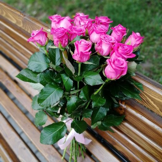 15 Роз Космик: букеты цветов на заказ Flowwow