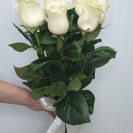7 белых роз Эквадор Mondial