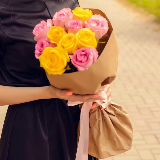 Bouquet of 11 yellow and pink roses