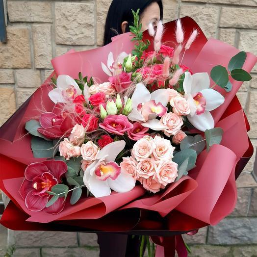 """Букет с орхидеями """"Бордо"""""""