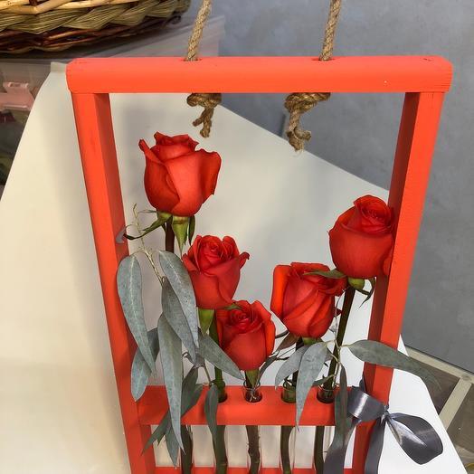 Алые Розы с эвкалиптом