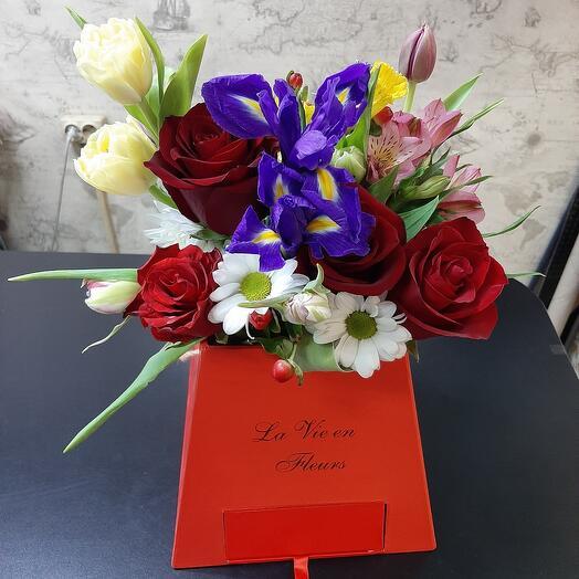 Цветы в коробке с сюрпризом