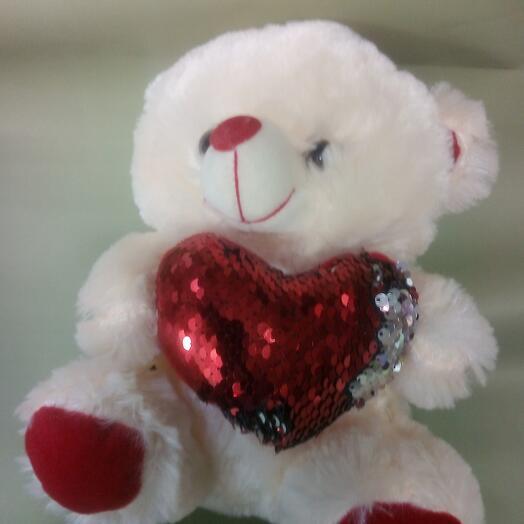 Мишка красное сердце