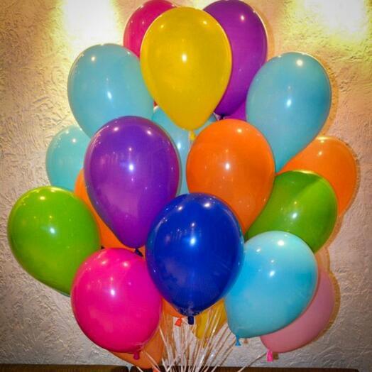 35 разноцветных шаров