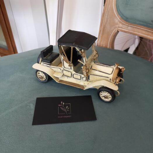 Машинка модель