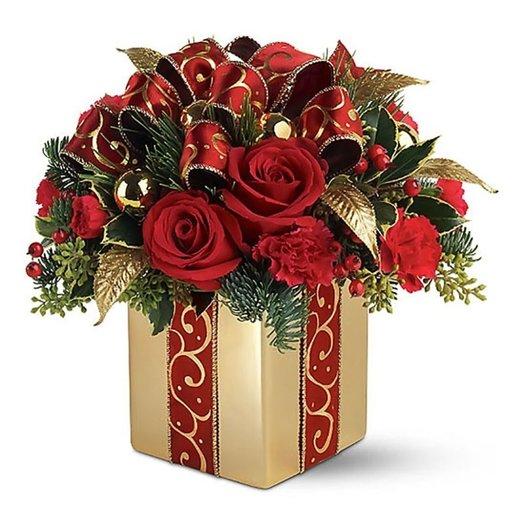 Композиция «Новогодний подарок»: букеты цветов на заказ Flowwow