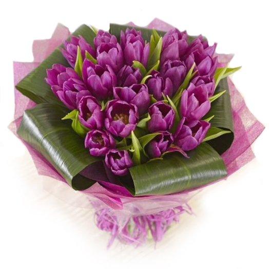 Букет из 21 тюлпана: букеты цветов на заказ Flowwow
