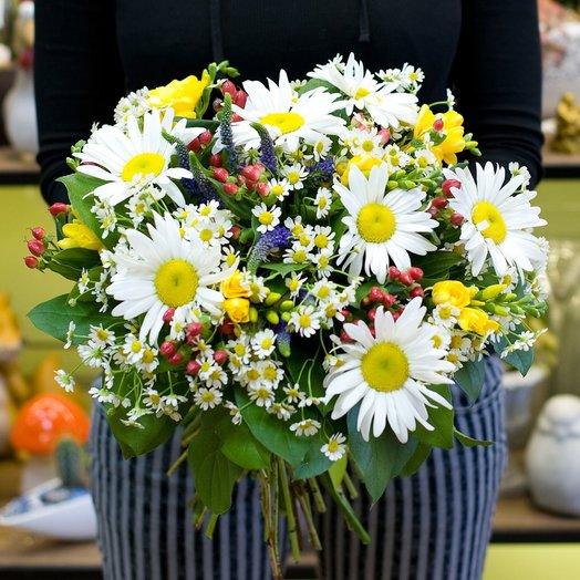 Букет ромашек Начало цветущего лета: букеты цветов на заказ Flowwow
