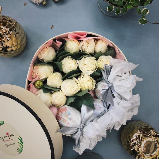 """Коробочка с киндерами """"Первый снег"""": букеты цветов на заказ Flowwow"""