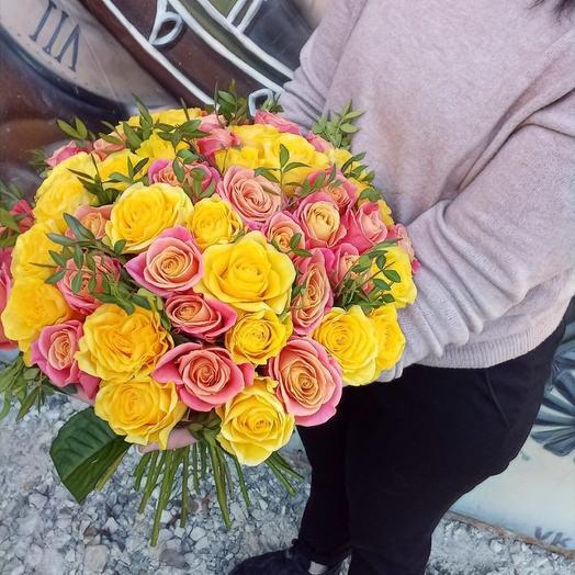 Букет из 51 розы микс: букеты цветов на заказ Flowwow