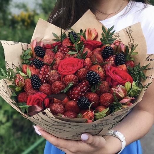 Букет из клубники и цветов «Рай»: букеты цветов на заказ Flowwow