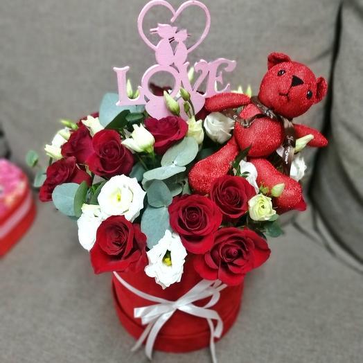 Коробочка Love: букеты цветов на заказ Flowwow