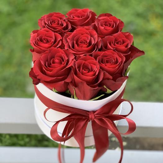 9 роз в коробке для любимых