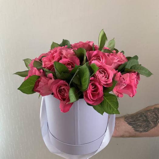 51 розовая роза сорта Кения Премиум в шляпной коробке: букеты цветов на заказ Flowwow
