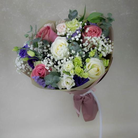 Mix bouquet of pink roses