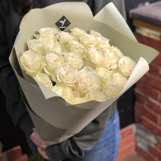 25 белых роз 60 см (Эквадор)