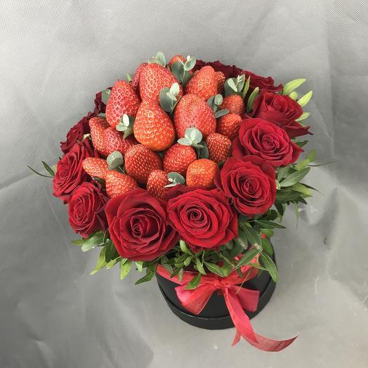Ароматная клубника: букеты цветов на заказ Flowwow