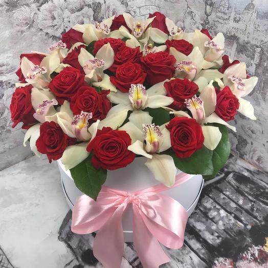 Розы с орхидеями в Коробке XXL