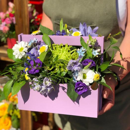 Ящик с фиолетовыми цветами 30 см