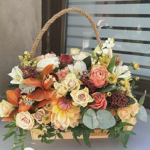 Цветы в ящике (беж)