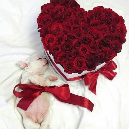 Розы в коробке сердечком