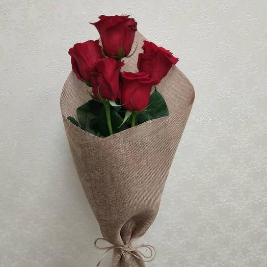 5 кенийских роз в крафте