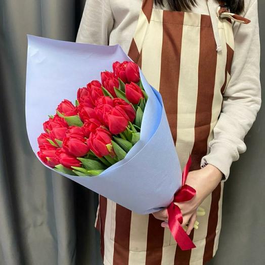 """Букет """"33 красных пионовидных тюльпанов"""""""