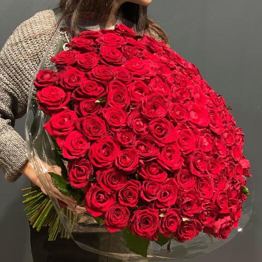101 Красная роза с лентой